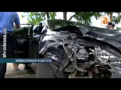 Лихач на «Лексусе» разбил сразу пять автомобилей