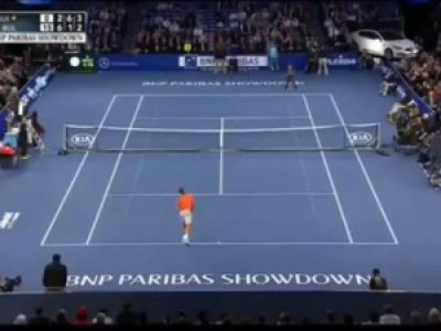 Federer loses point to little boy during exhibition match at Madison Square Garden