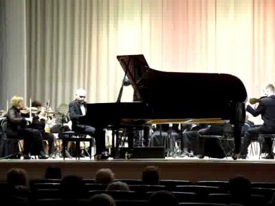 Выступление незрячего пианиста Антона Белоусова