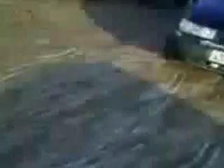 машина едет сама по себе без водителя