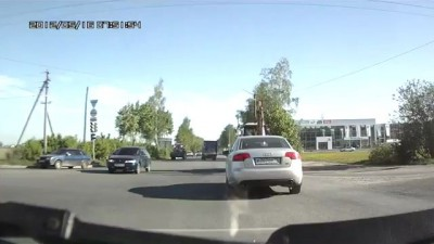 Трактор на ул.Строителей, Йошкар-Ола