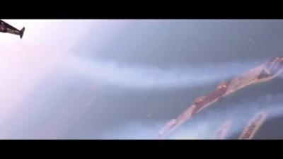 Изобретатель пролетел над Дубаем на реактивном ранце. Видео
