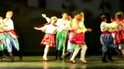 Украинский Владивосток танцует украинский гопак