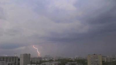 молнии в Москве