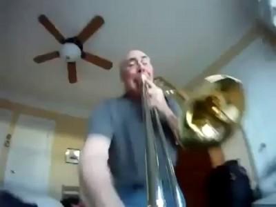 LOL! Go Pro mounted on trumpet! Videocamera montata su trombone!