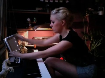 little boots MEDDLE bedroom version - acoustic on piano, tenorion and stylophone oo la la
