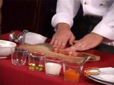 Свинина в сырной панировке с соусом из кураги
