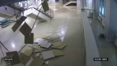Обрушение потолка. Конькобежный центр Адлер Арена
