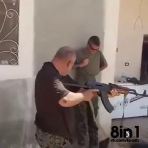 Выстрел из АК в упор в бронежилет / Shooting with the AK 47 of a soldier wearing a bulletproof vest