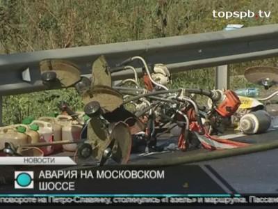 В Петербурге при столкновении микроавтобуса и маршрутки погибли двое