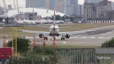 Самолёт пытается взлететь Лондоне.