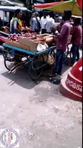 Cunning Roadside Vendor Cheating Customer