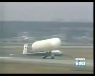 [[Ukraine 2014]] Giant Russian Missiles are Transported Using a Jet Fighter