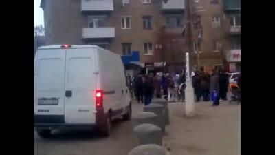 """Бунт в """"Новороссии"""".Голодные жители перекрыли дорогу.Торез"""