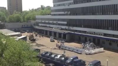 Бульдозер vs посылки Почты России после пожара (HD)