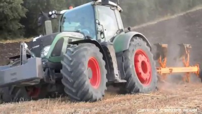 FENDT 724 EXTRÊME Ploughing ACTION . Métier de l'extrême