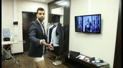 Иван Ургант танцует под клипп Баскова без штанов