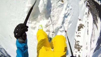 Лавина и фантастический прыжок с горы