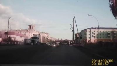 19-летний гонищк на Toyota врезался в ВАЗ