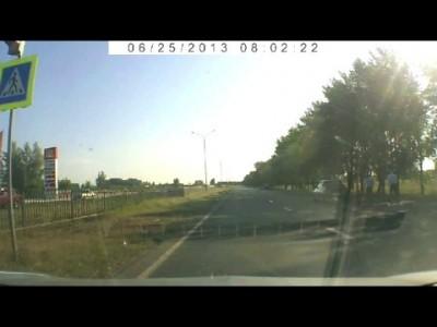 Водитель 10-тки сбил на переходе велосипедиста ...