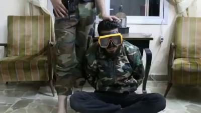 اضحك مع ثوار الساحل - أسر ضفدع بشري تابع لنظام الأسد في كسب 02-06-2014