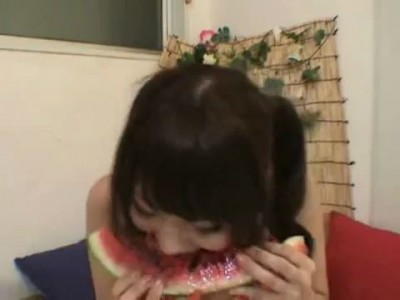 Wow! She ate water melon!! (part.9)