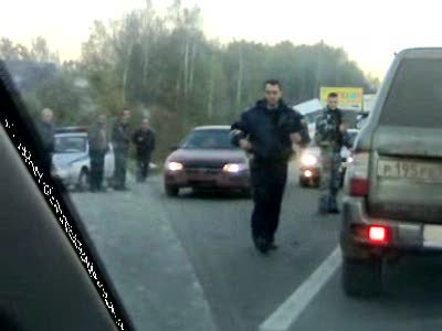 Микроавтобус с пассажирами заехал на отбойник