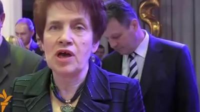 "Людмила Янукович: ""Батя, я стараюсь"""