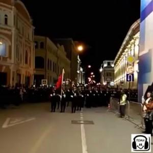 Китайская армия марширует в Москве.