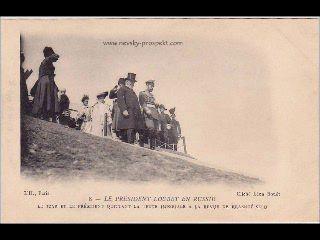 Николай II приветствует президента Франции Лубэ