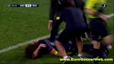 Carles Puyol Hard horrible ARM injury against BENFICA