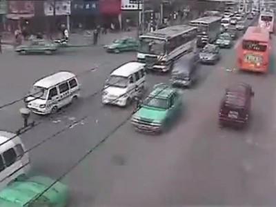 Как не надо переходить дорогу (часть 2 )