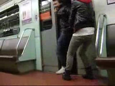 Придурки в метро