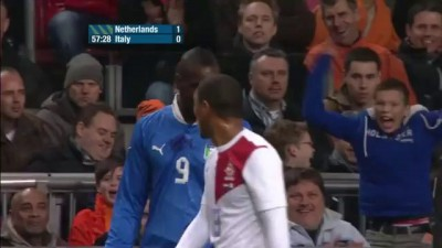 Ballotelli attacks ASTRONAUTS during Netherlands 1-1 Italy - 07-02-13