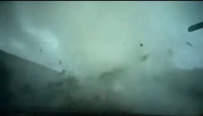 typhoon destroy a car in slow motion ... made by LK ... :))