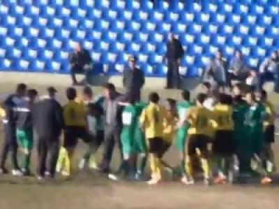 В Таджикистане судью избили во время матча