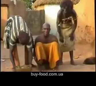 Как лечат головную боль в Мозамбике...