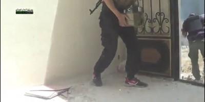 1. Повстанцы взрываются в многоэтажке захваченным бойцами Асада