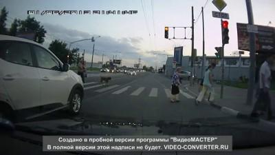 Светофор троллит водителей