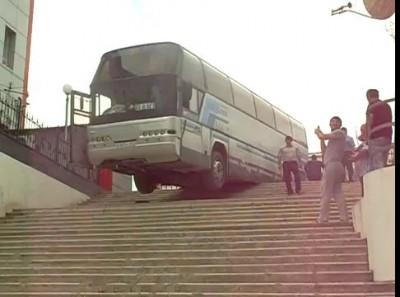 Суровый автобус в Махачкале
