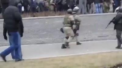 Наемники на улицах Донецка. 3 марта 2014