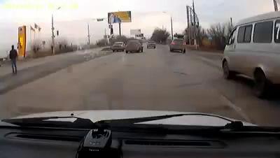 Крашеная тварь на мазде. ДТП Волгоград 13.12.2014