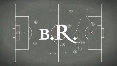 Nike поделил историю футбола на две эры