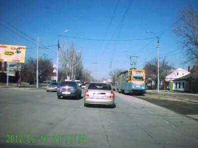 Обгон справа на трамвайном переезде