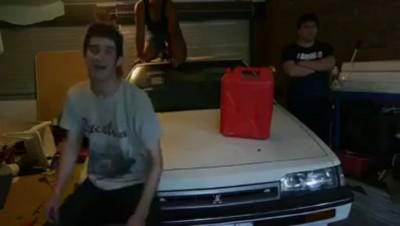 Вечеринка в гараже