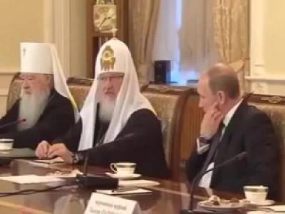 Патриарх учит Путина