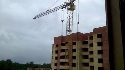 В Ярославле девушка упала со строительного крана