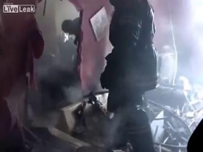 Спасение матери с ребёнком после взрыва газа