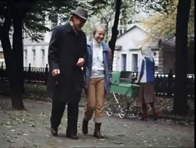 Х/ф Москва слезам не верит. Сцена в парке.