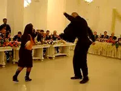 Валуев танцует лезгинку